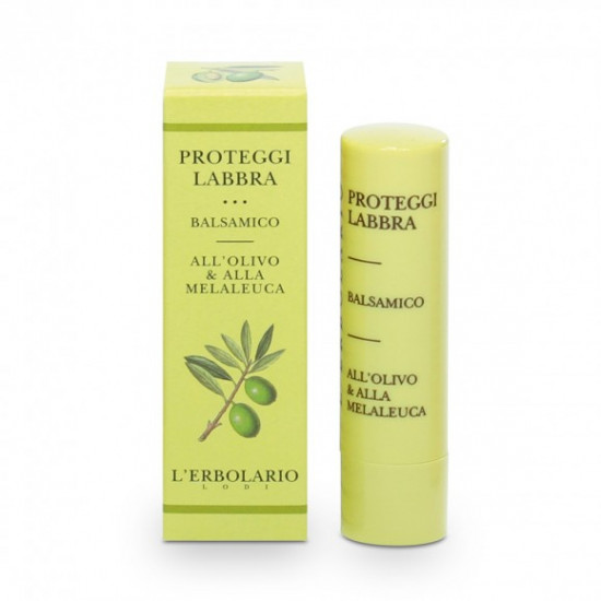Ajakápoló olívaolaj és teafaolajjal kicserepesedett ajkakra